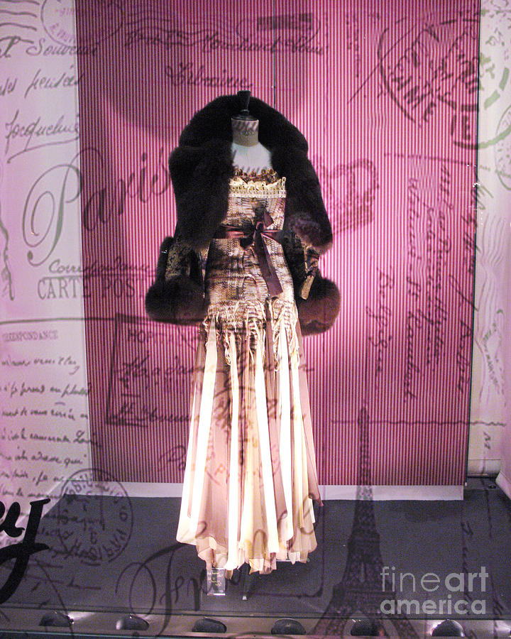 Paris haute couture dress high fashion window shopping for Haute couture shopping