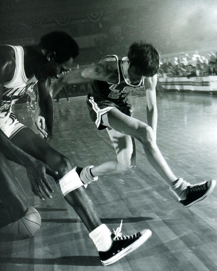Pete Maravich Tricky Pass Photograph