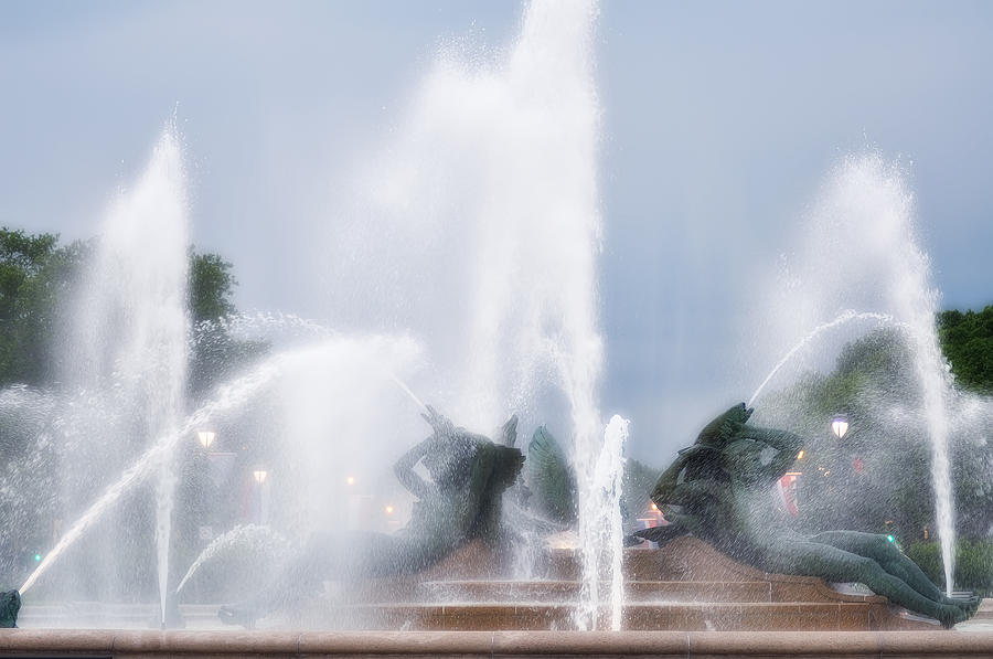Fountain Photograph - Philadelphia - Swann Memorial Fountain by Bill Cannon