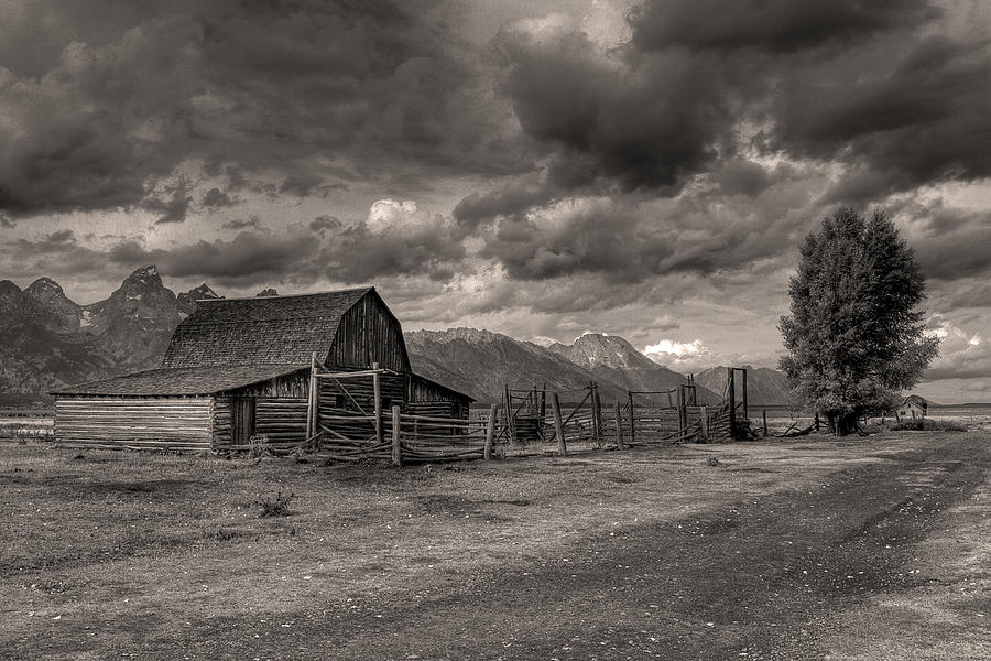Pioneer Barn D9369 Photograph