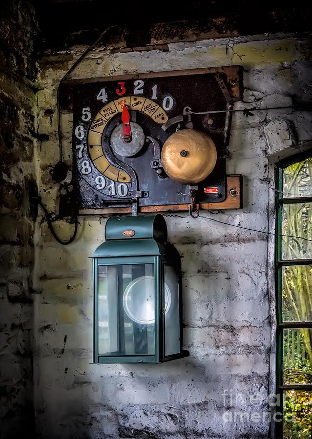Pit Lift Control Photograph