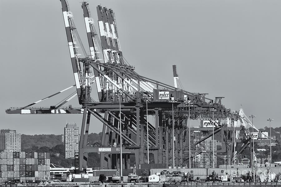 Clarence Holmes Photograph - Pnct Facility In Port Newark-elizabeth Marine Terminal II by Clarence Holmes