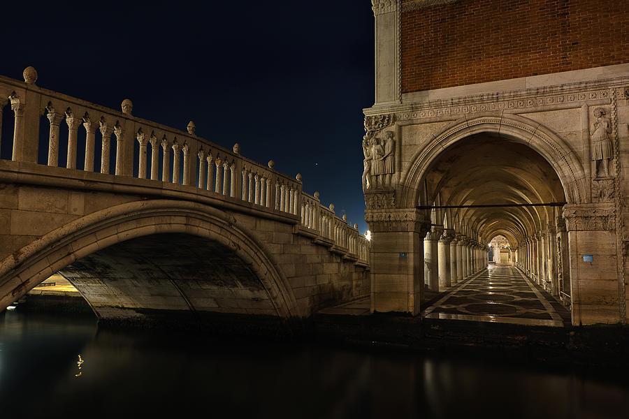 Ponte Della Paglia Photograph