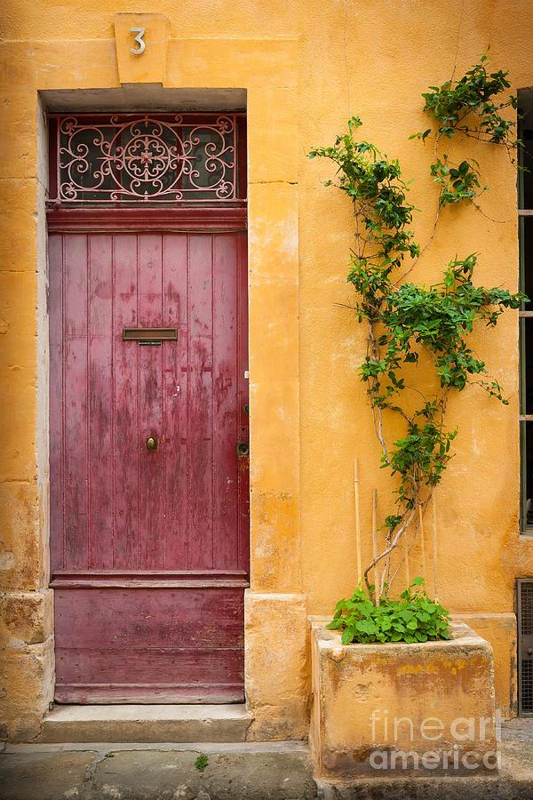 Porte Rouge Photograph