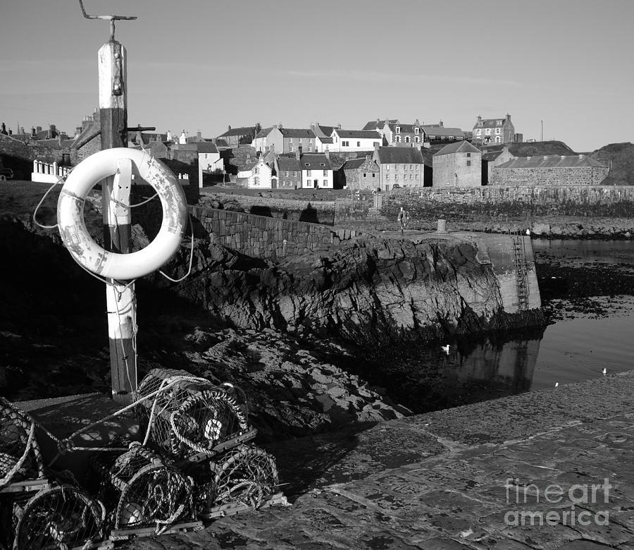Portsoy Photograph - Portsoy by Malcolm Suttle