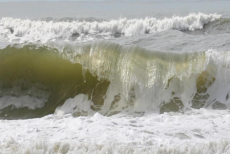Powerful Wave Photograph