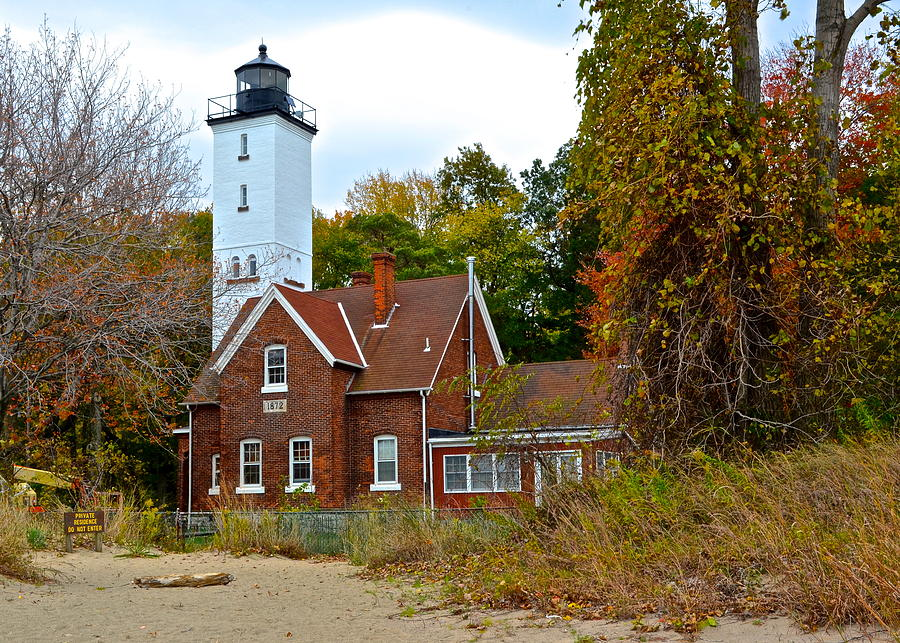 Presque Photograph - Presque Isle Lighthouse by Frozen in Time Fine Art Photography