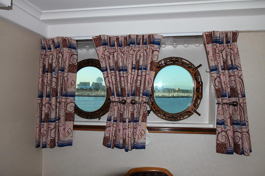Queen Mary - 121223 Photograph