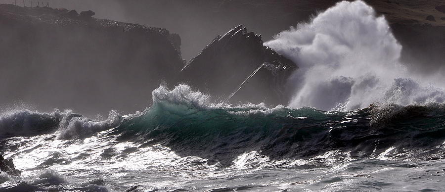 Raw Atlantic Power Photograph
