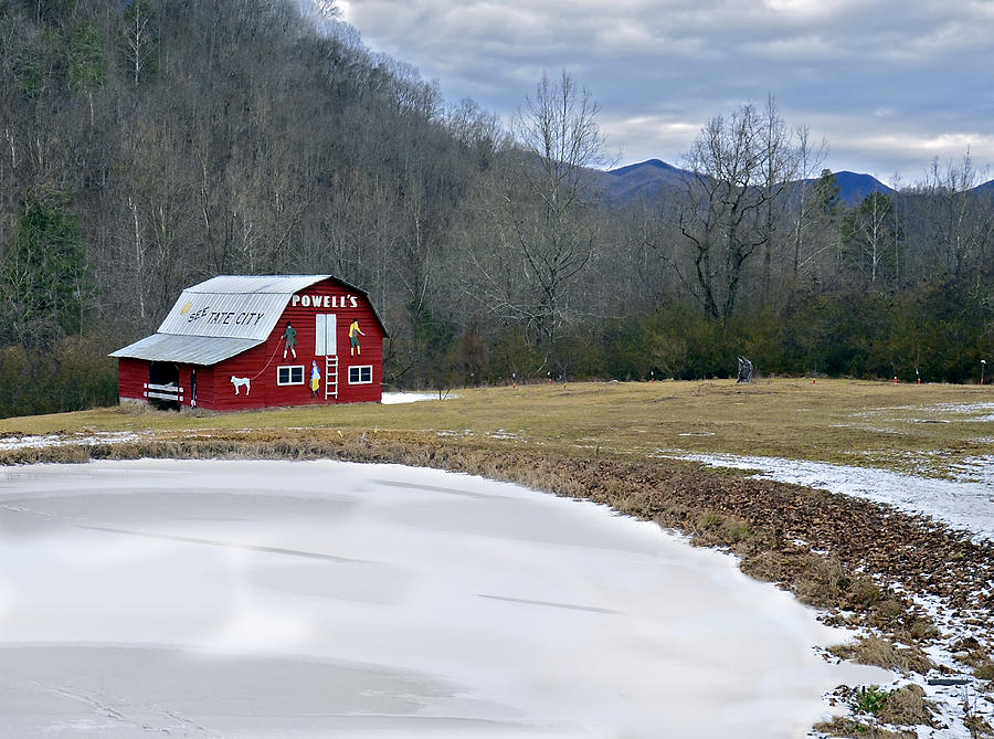 Landscape Photograph - Red Barn In Tate City by Susan Leggett