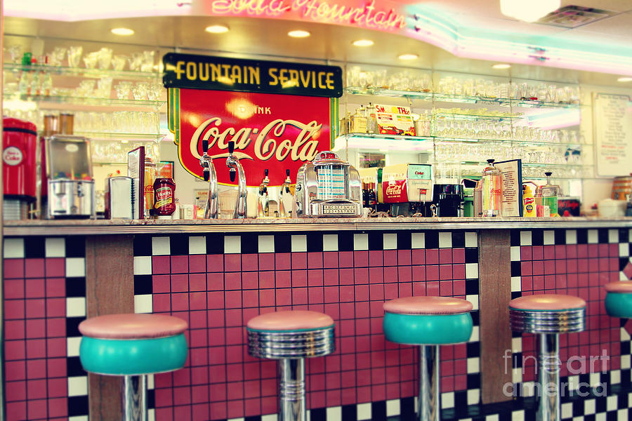 Retro diner photograph by sylvia cook for Diner artwork