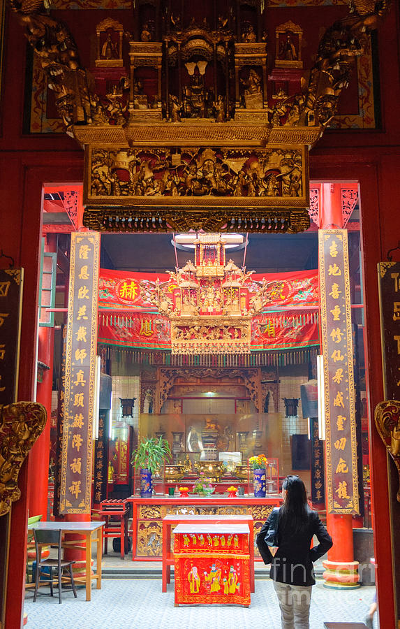 Chinese Photograph - Rich Decoration In Chinese Temple - Sze Yah Temple - Kuala Lumpur - Malaysia by David Hill