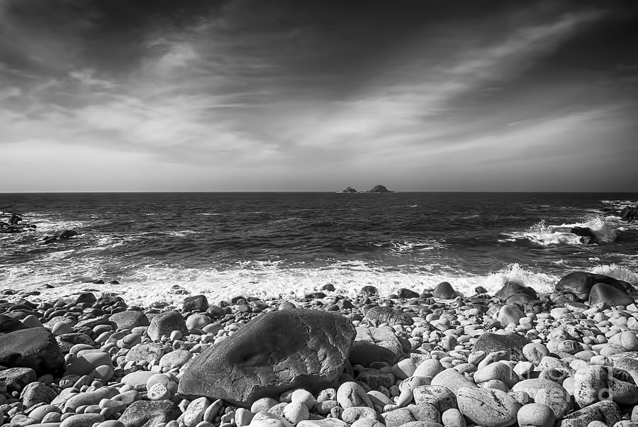 Cornwall Canvas Photograph - Rocky Shore by Chris Thaxter