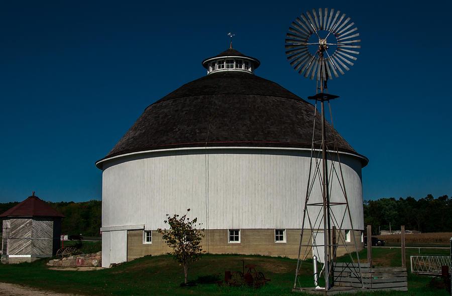 Barn Photograph - Round Barn by Gene Sherrill
