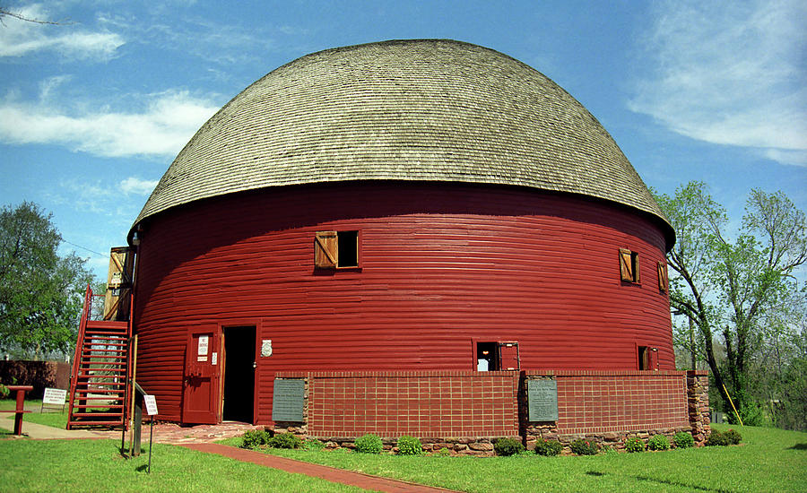 Route 66 - Round Barn Photograph