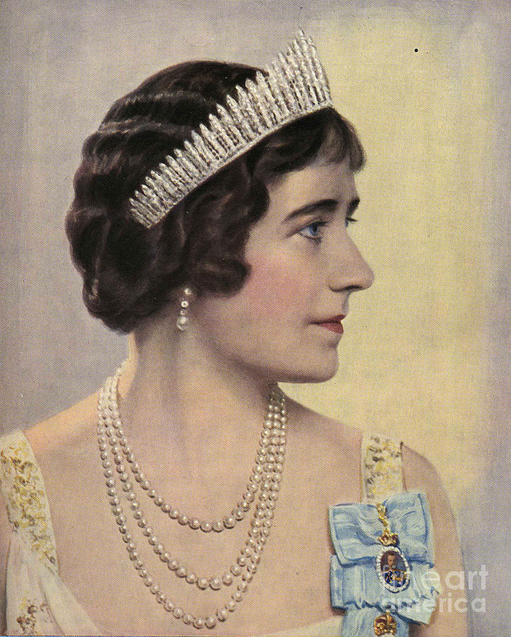1930Õs Drawing - Royalty 1939 1930s Uk Queen Elizabeth by The Advertising Archives