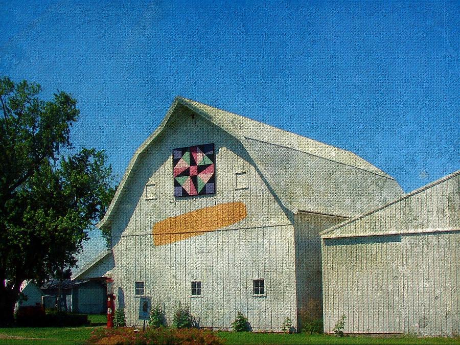 Rural Iowa Barn Digital Art