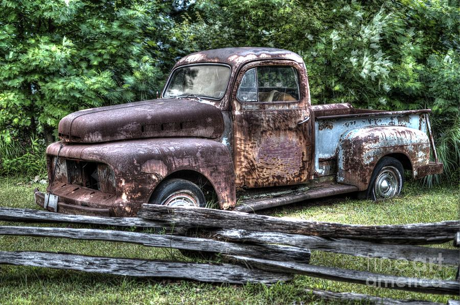 Rusty Old Beater Ford Truck Photograph by Robert Loe