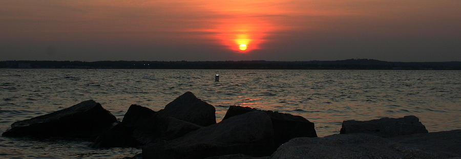 Long Island Sound Photograph - Sea Sun And Rocks by Stephen Melcher