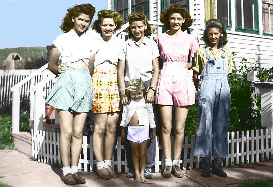 Simonson Sisters Photograph