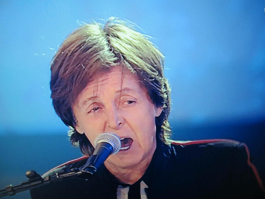 Sir Paul Mccartney Singing Hey Jude Photograph  - Sir Paul Mccartney Singing Hey Jude Fine Art Print