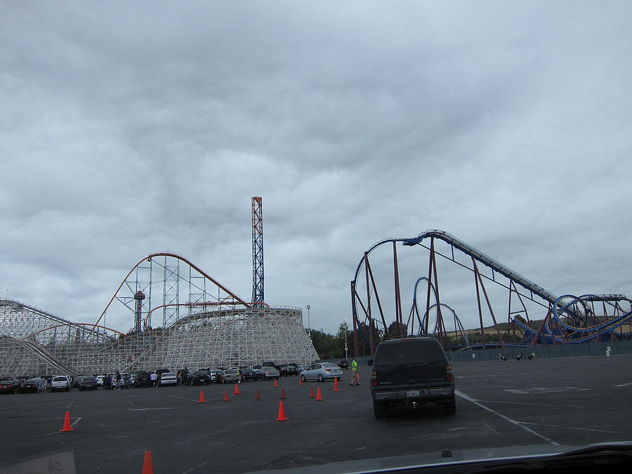 Six Flags Magic Mountain - 12121 Photograph