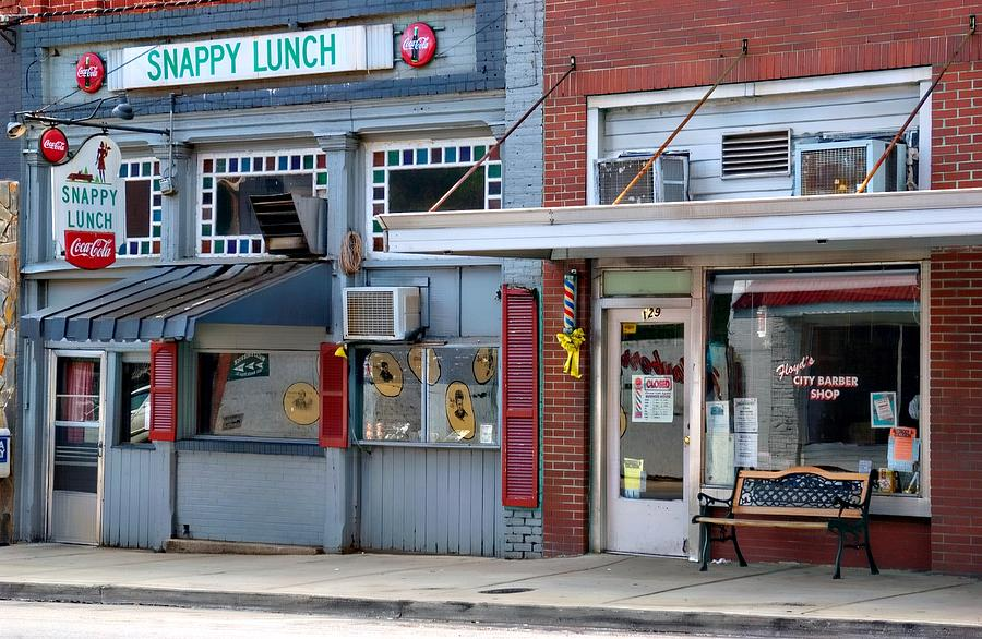 Snappy Lunch Photograph - Snappy Lunch And Floyd Nc by Bob Pardue