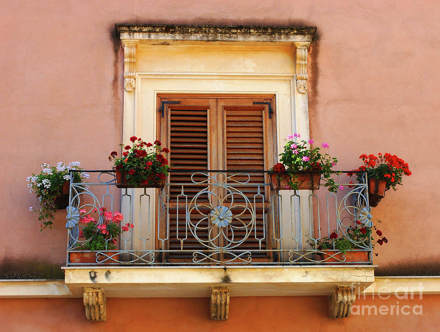 Sorrento italy balcony photograph by bob christopher for Balcony in italian