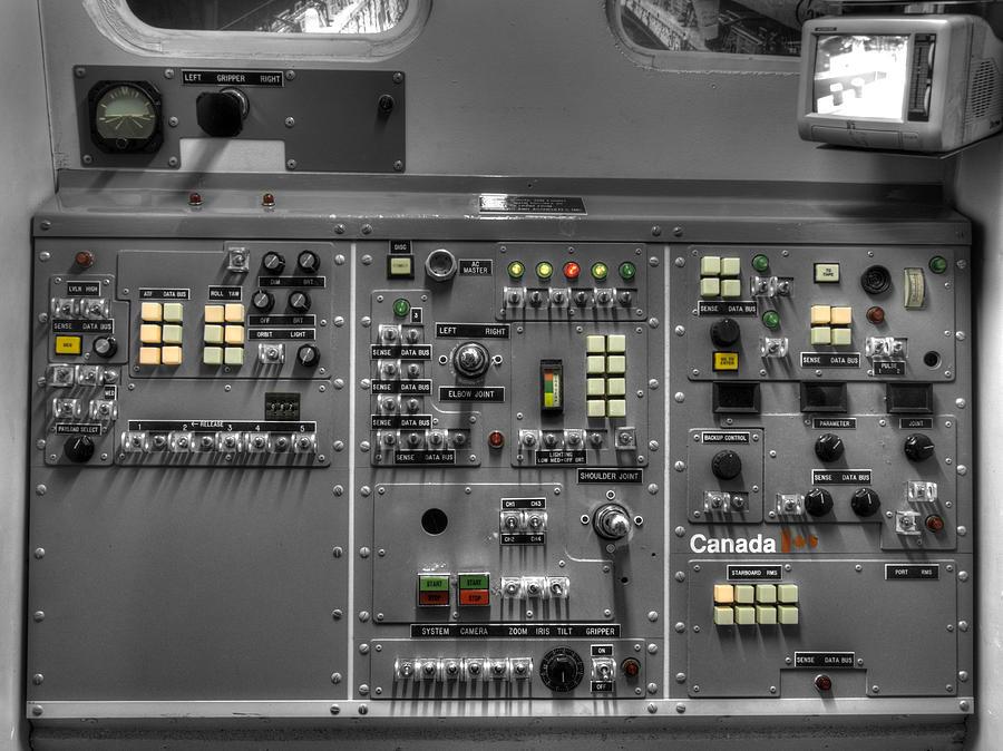 Space Shuttle Instrument Panel : Space shuttle canadarm robotic arm control panel