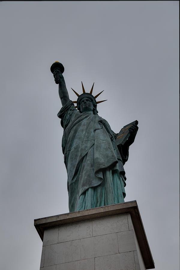 Statue Of Liberty - Paris France - 01131 Photograph