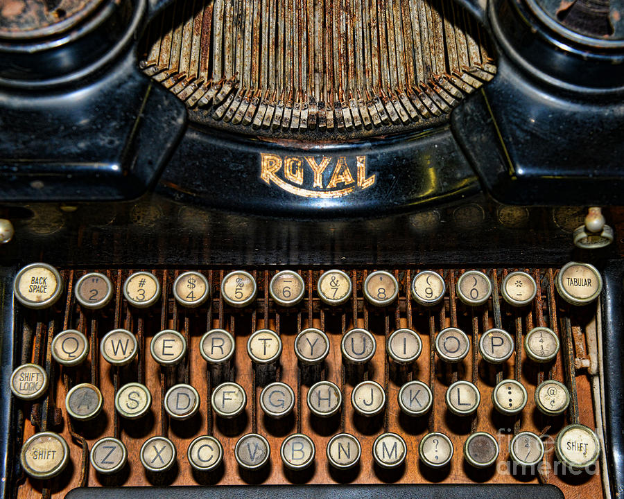 Steampunk - Typewriter -the Royal Photograph  - Steampunk - Typewriter -the Royal Fine Art Print