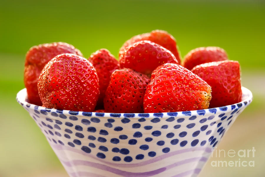 Strawberries Photograph - Strawberries by Lutz Baar