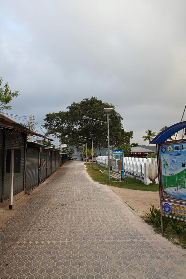 Street Scene - Phi Phi Island - 01132 Photograph
