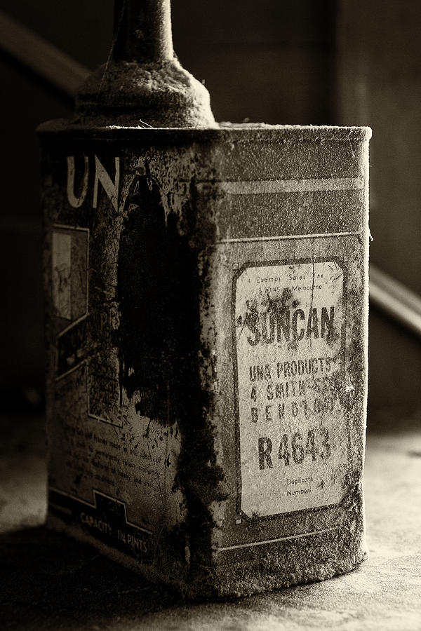 Tim Nichols Photograph - Suncan by Tim Nichols