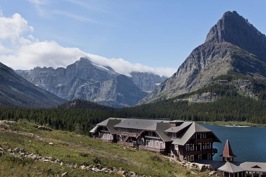 Swiftcurrent lodge glacier national park photograph by for Jardina