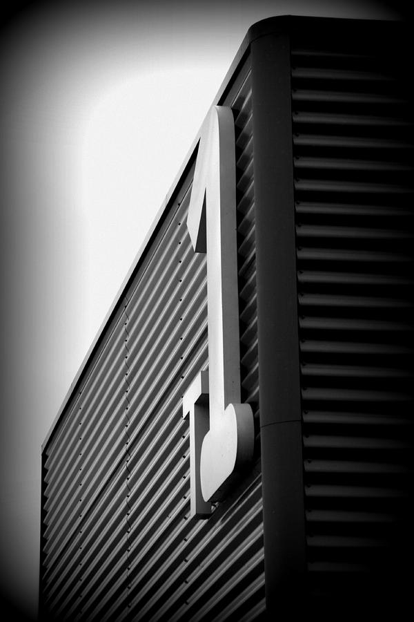 T 1 Photograph