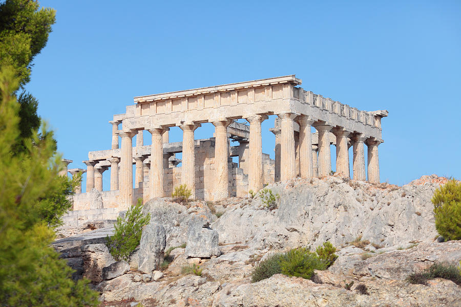 Temple Of Aphaia On Aegina Photograph by Paul Cowan