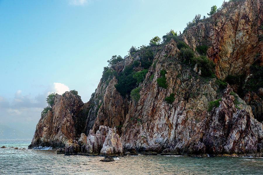 Rocks Photograph - Thar Be Rock by Michael Glenn