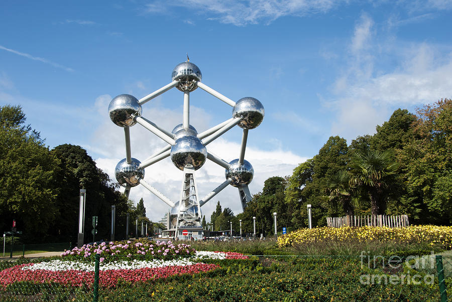 Bizarre Photograph - The Atomium by Juli Scalzi