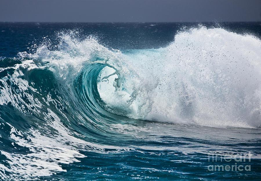 The Beautiful Wave Photograph
