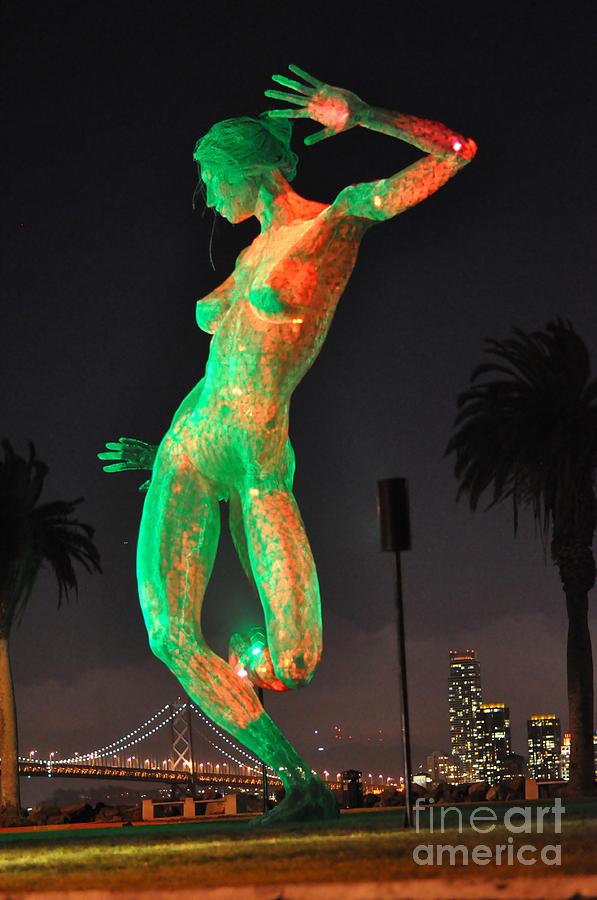Photograph - the Dancer by Carolina Abolio