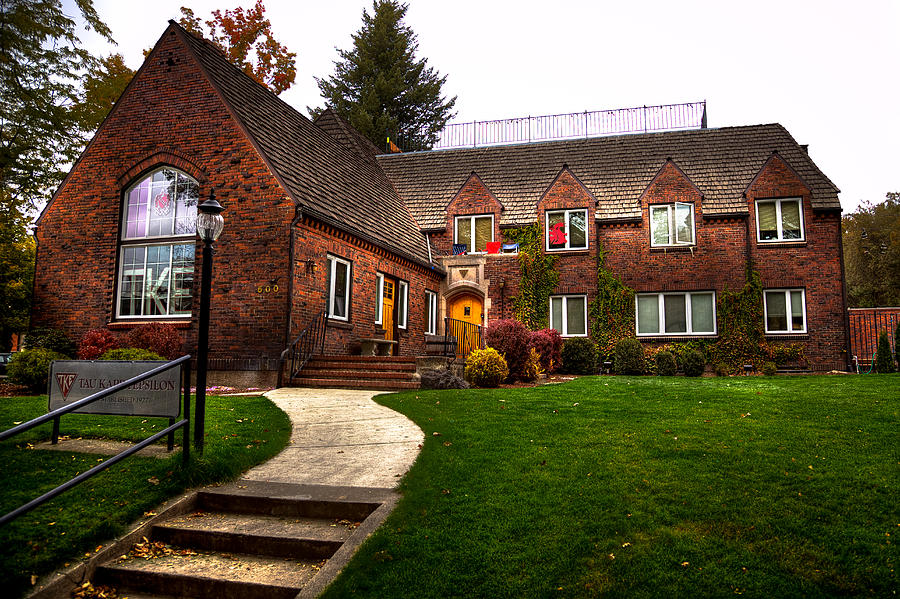 The Tke House On The Wsu Campus Photograph