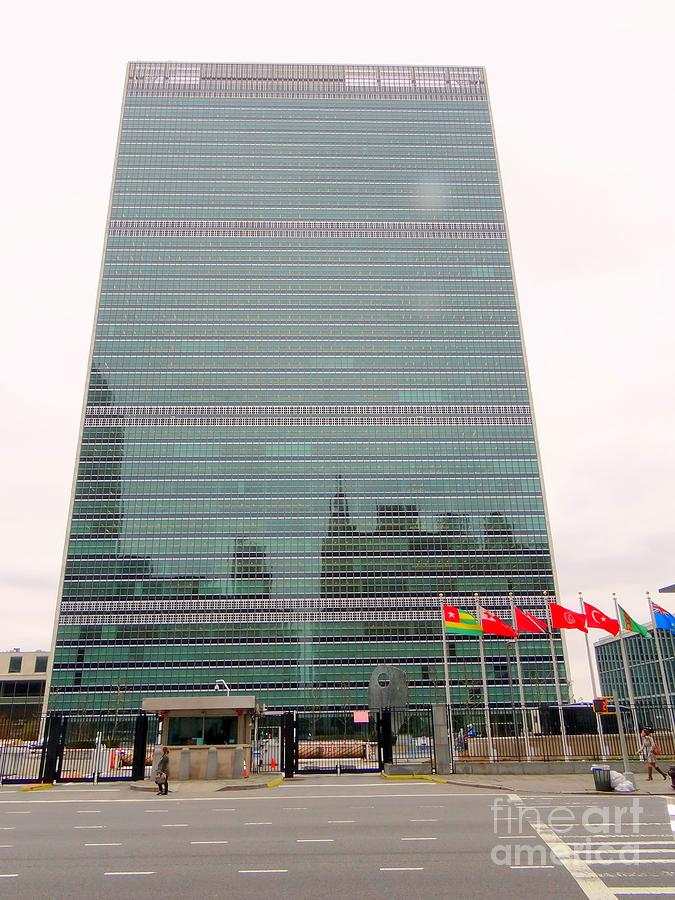 New York City Photograph - The United Nations by Ed Weidman