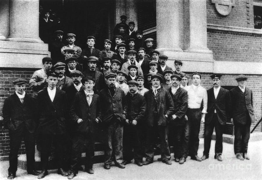 Inside The Titanic Before It Sank Titanic Crew Survivors...