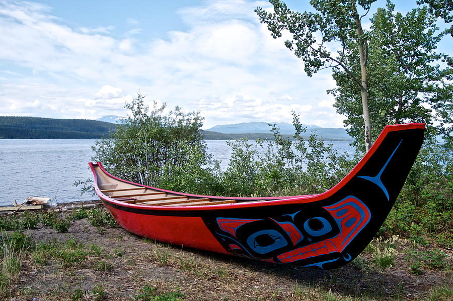Tlingit Boat At Tlingit Heritage Center On Teslin Lake In ...