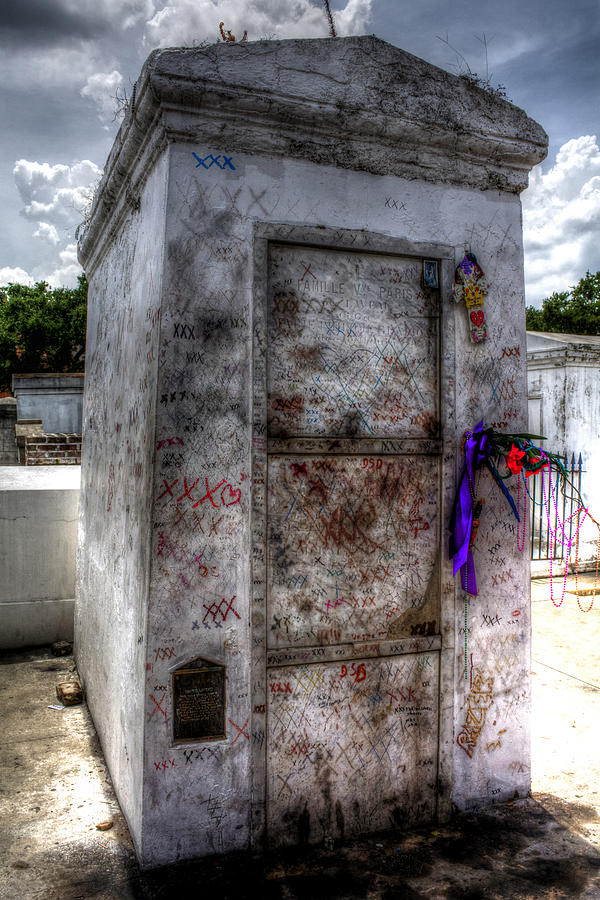 Tomb Of Marie Laveau Photograph by Greg and Chrystal Mimbs