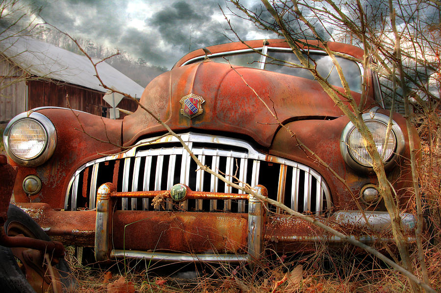 1946 Buick Super Photograph - Toothless by Lori Deiter