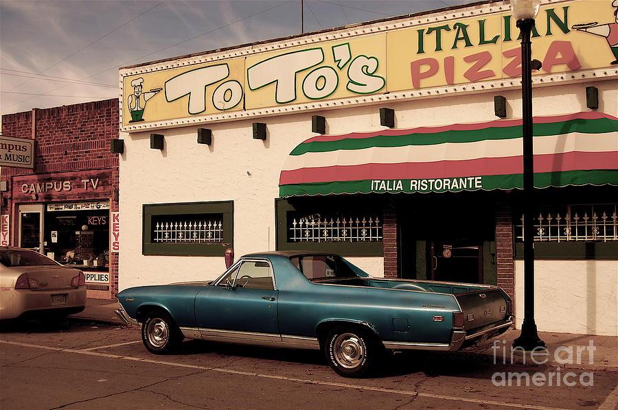 Toto Photograph