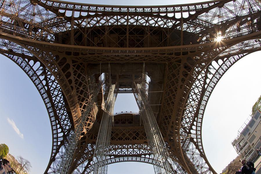 Paris Photograph - Tour Eiffel 4 by Art Ferrier