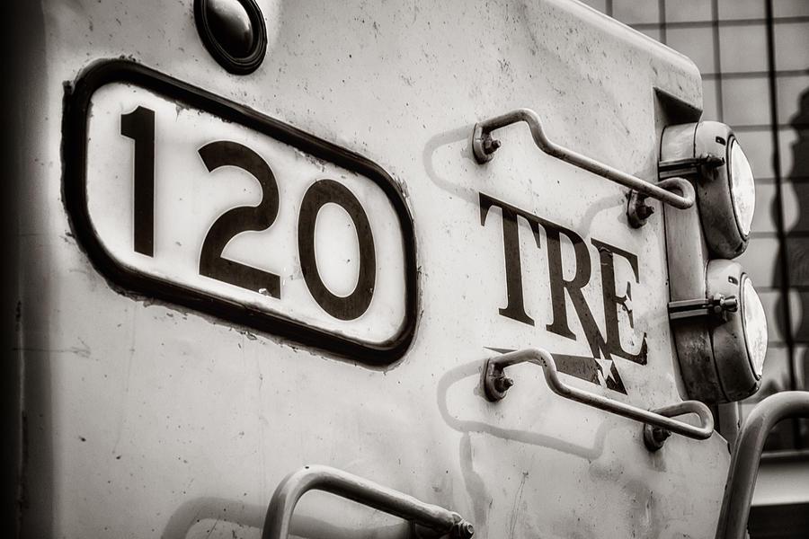 Tre 120 Photograph